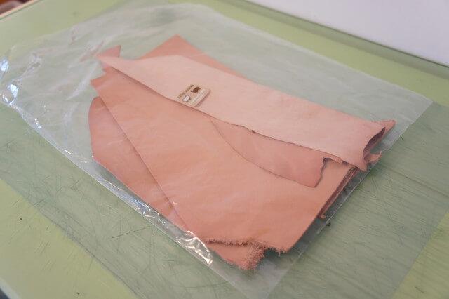 栃木レザーのハギレ端革